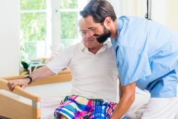 Lehrkraft für die Altenpflege bzw. Altenpflegehilfe