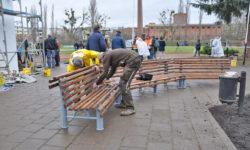MDR-Frühlingserwachen: 350 Artener reparieren marodes Stadion