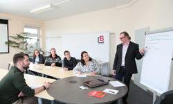Neuer Westthüringer Pflegeverbund vereint Pflegeschulen und Ausbildungsträger